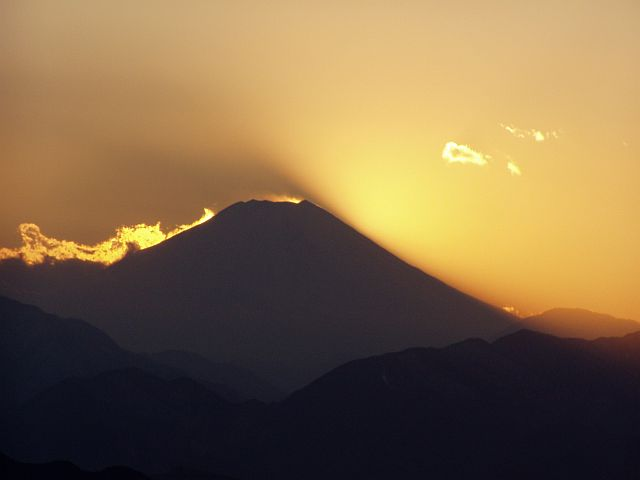 Sonnenuntergang hinter dem Fuji-san
