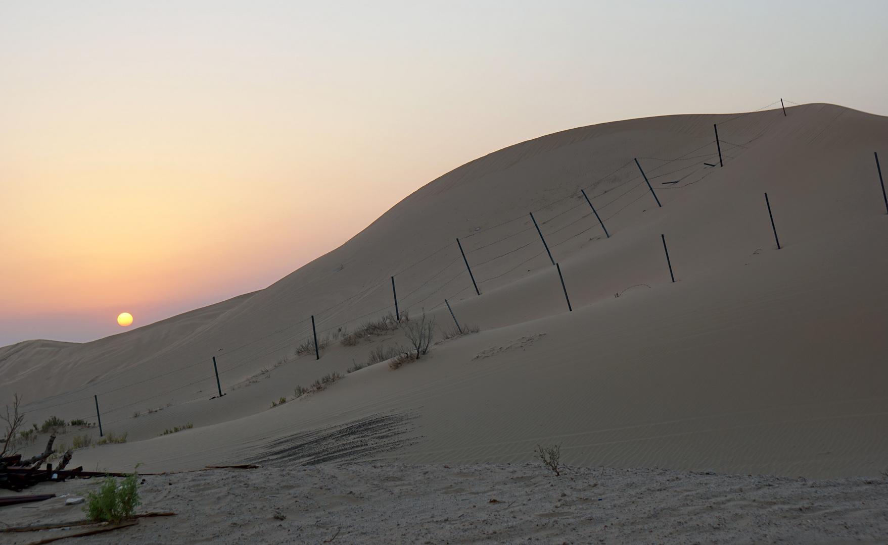 Sonnenuntergang hinter der Düne