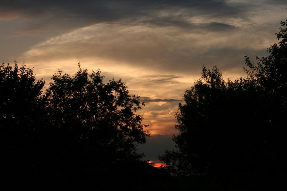 Sonnenuntergang hinter meinem Haus
