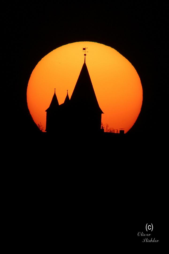 Sonnenuntergang hinter Schloss Braunfels