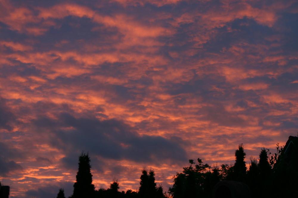 Sonnenuntergang hinter Sturmwolken