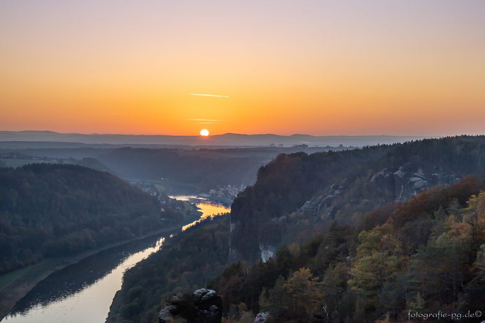 ... Sonnenuntergang im Elbetal ...
