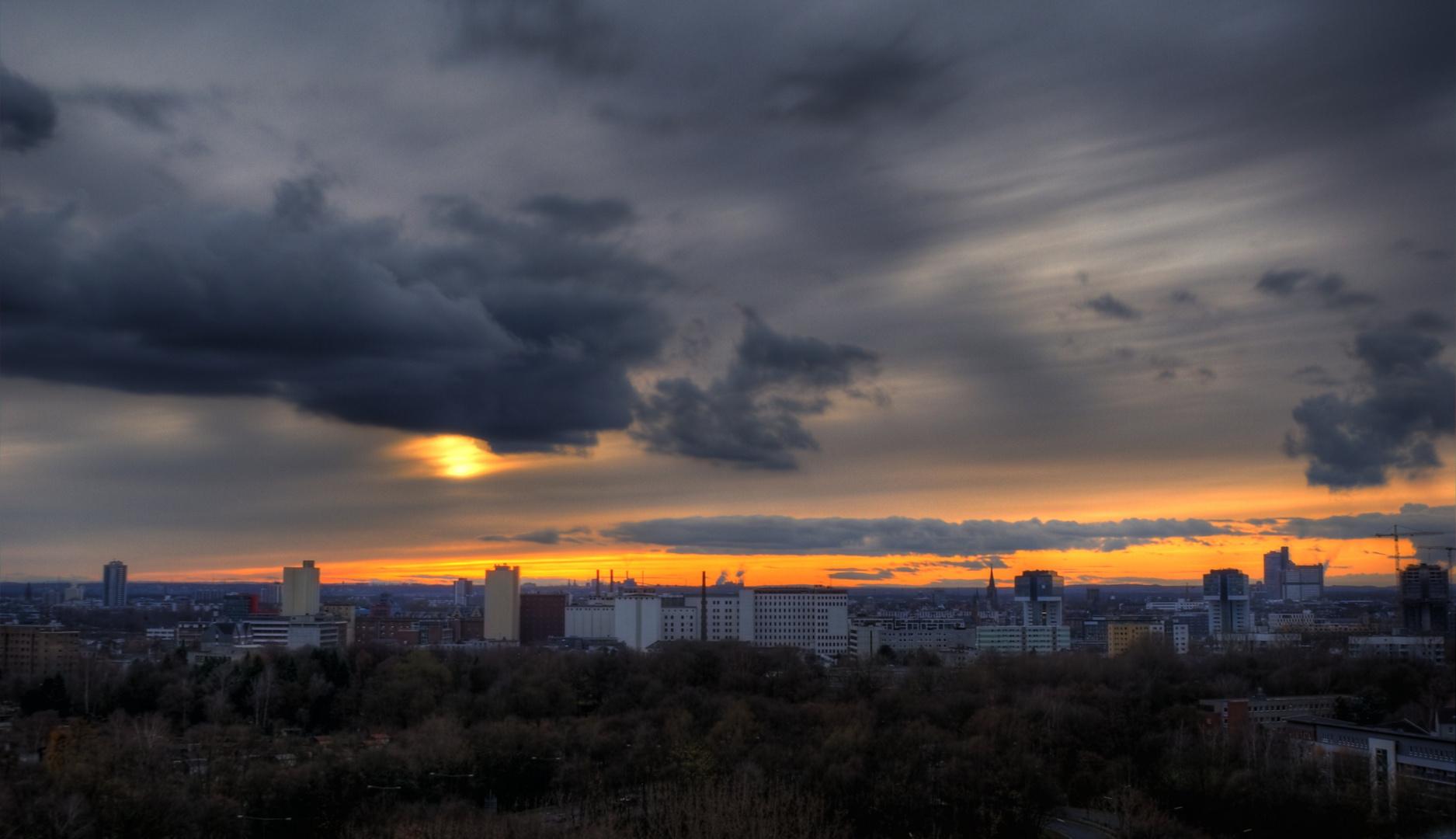 Sonnenuntergang im Lauf der Zeit