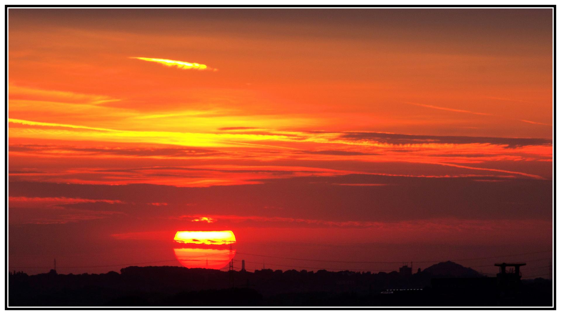 Sonnenuntergang im Pott (von Halde Rheinelbe)