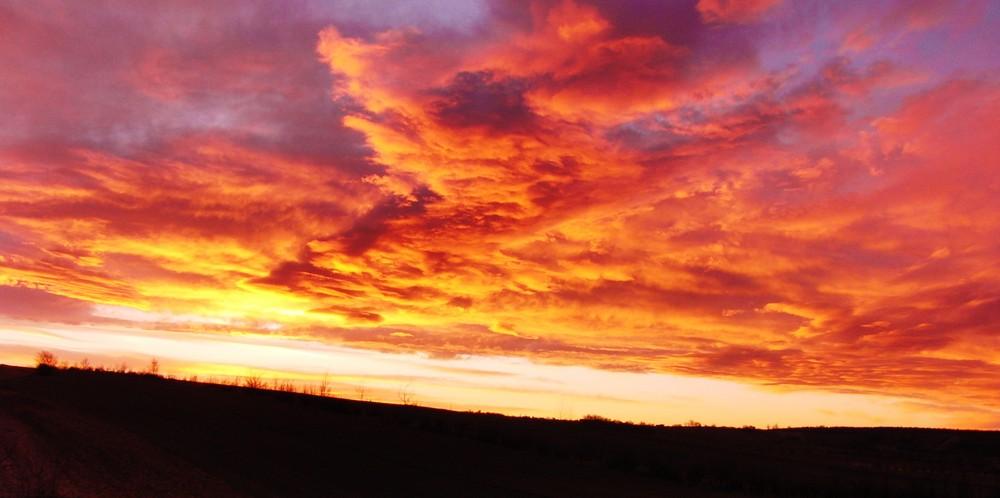 Sonnenuntergang im Weinviertel ...