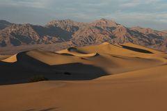 Sonnenuntergang in den Mesquite Flats Sand Dunes...