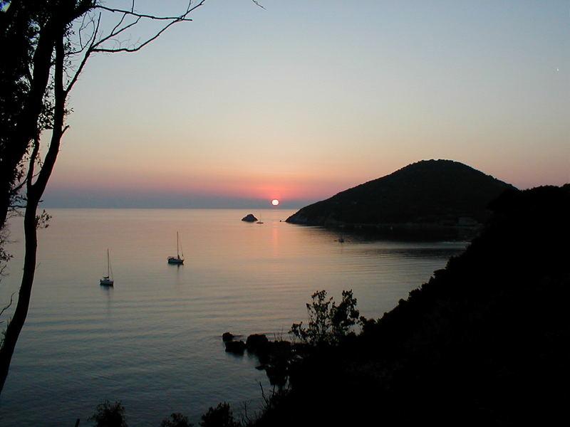 Sonnenuntergang in der Bucht von Viticcio