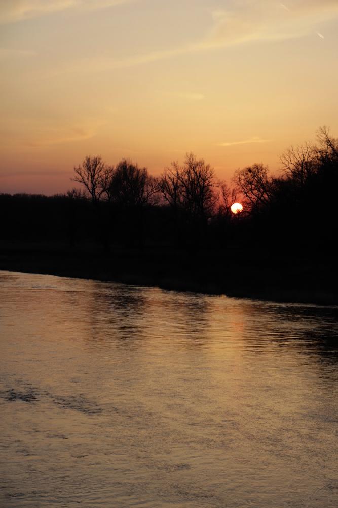 Sonnenuntergang in Dessau am 26. März 2020