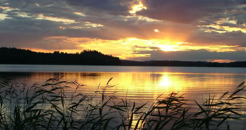 Sonnenuntergang in Finnland