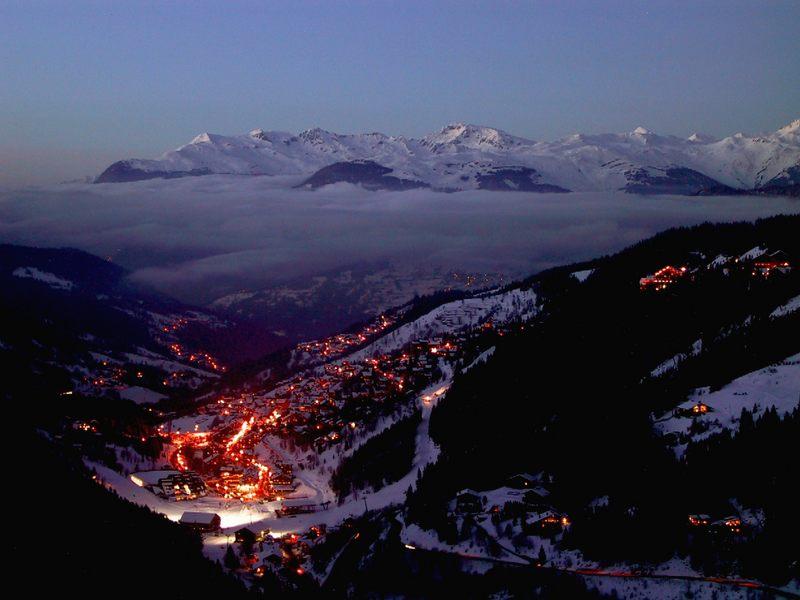 sonnenuntergang in frankreich meribel januar 2003 foto