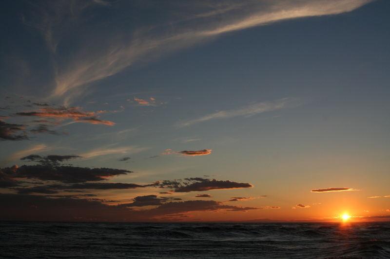 sonnenuntergang in st maries de la mer
