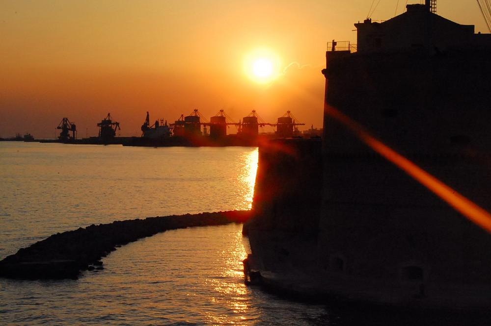 Sonnenuntergang in Taranto