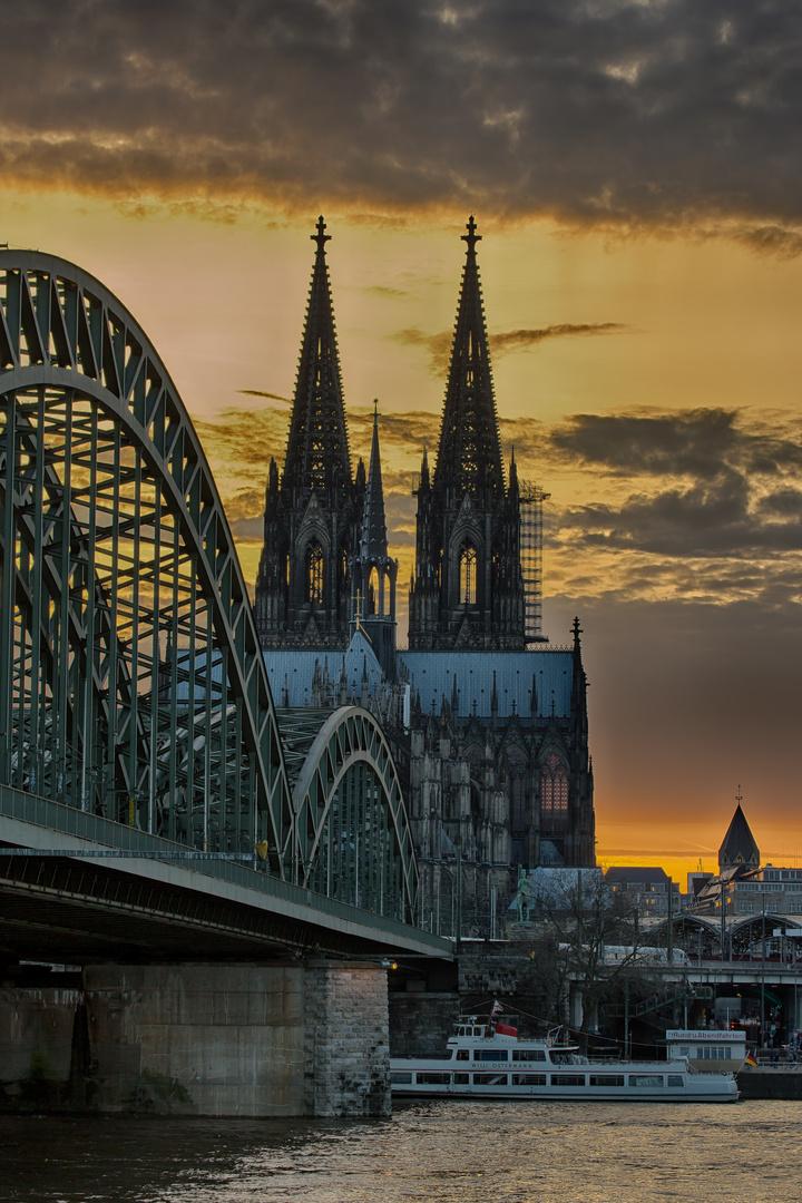 Sonnenuntergang Kölner Dom