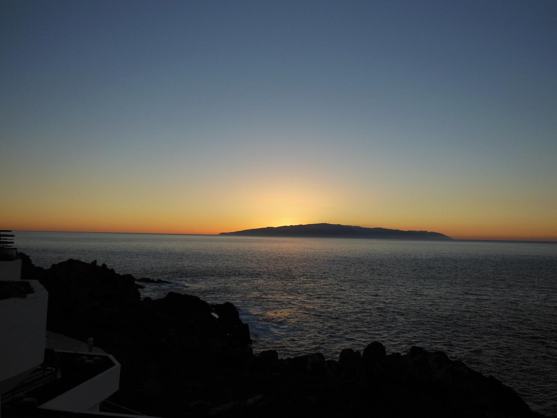 Sonnenuntergang mit Blick auf La Gomera