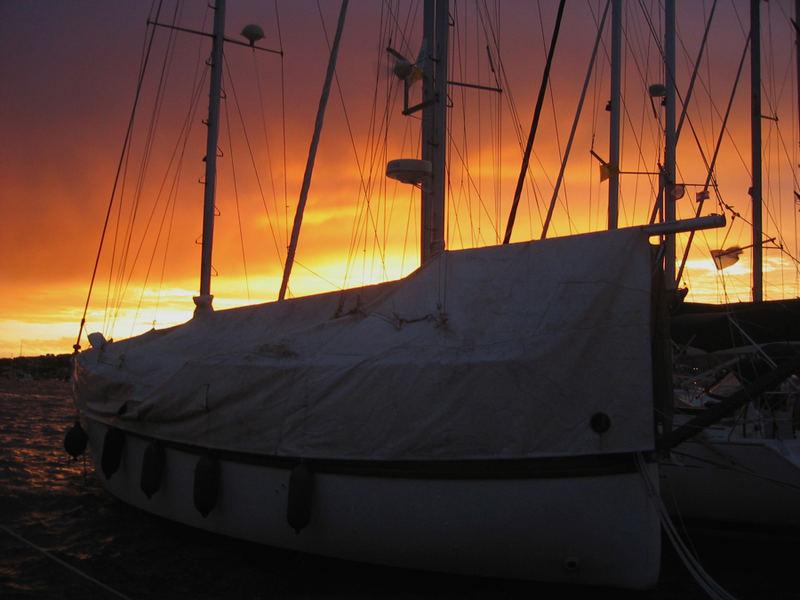 Sonnenuntergang mit Boot