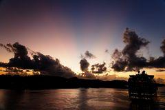 Sonnenuntergang mit Dickschiff