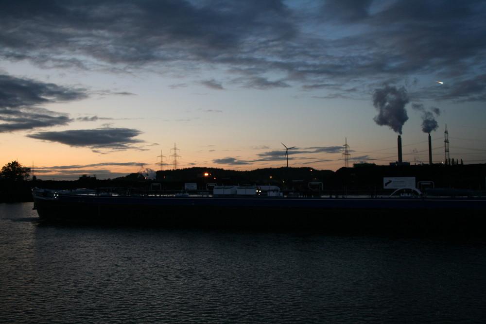 Sonnenuntergang mit Meteorit vom 13.10.2009