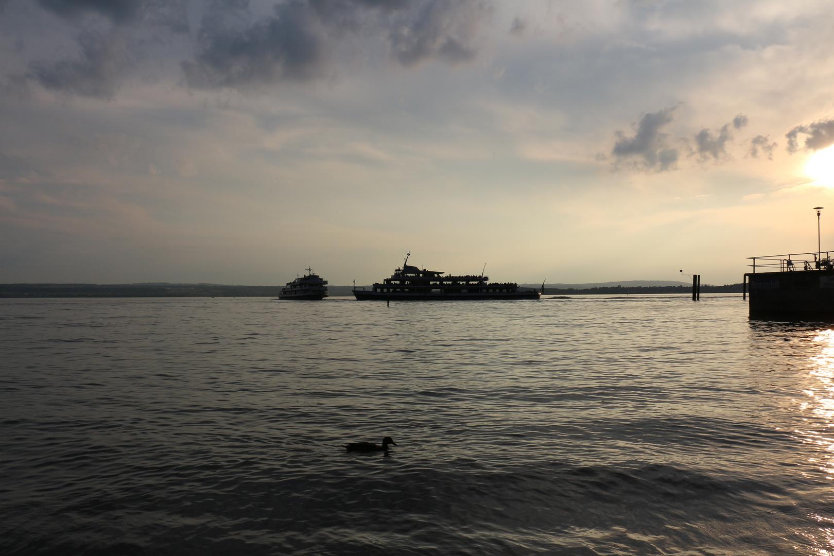 Sonnenuntergang mit Schiffen, Meersburg / Bodensee 2013