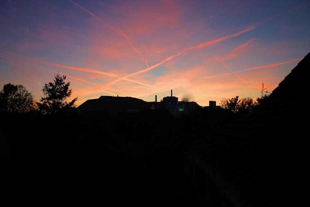 Sonnenuntergang über dem Kaliwerk Bokeloh