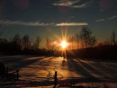 Sonnenuntergang über dem Schnee