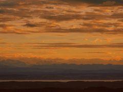 Sonnenuntergang über den Alpen vom Höchsten aus gesehen