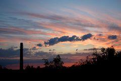 Sonnenuntergang über der ehemaligen Ziegelei in Sachsenhagen...