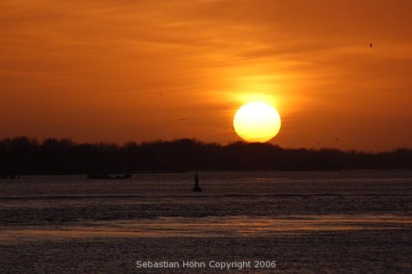 Sonnenuntergang über der Elbe - Hamburg-Blankenese