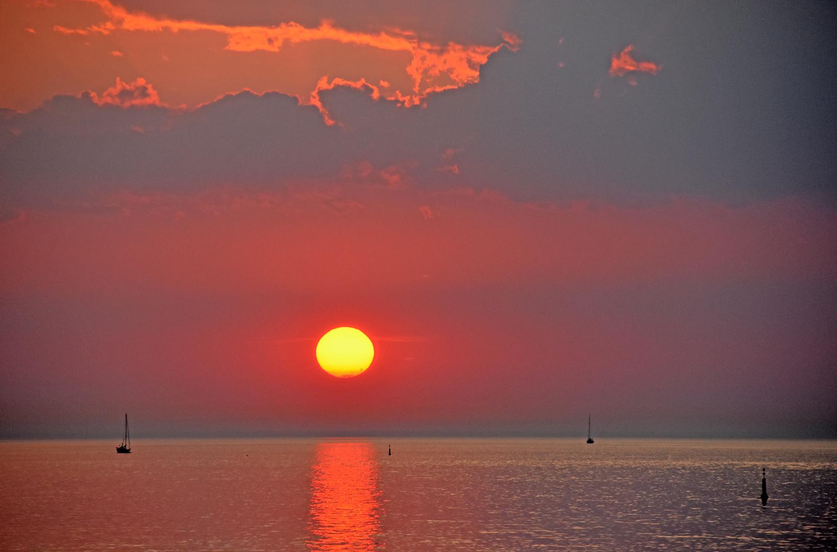 Sonnenuntergang über der Ostsee vor Warnemünde (2)