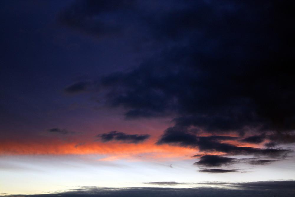 Sonnenuntergang über Sachsenhagen - Unwetter zieht auf