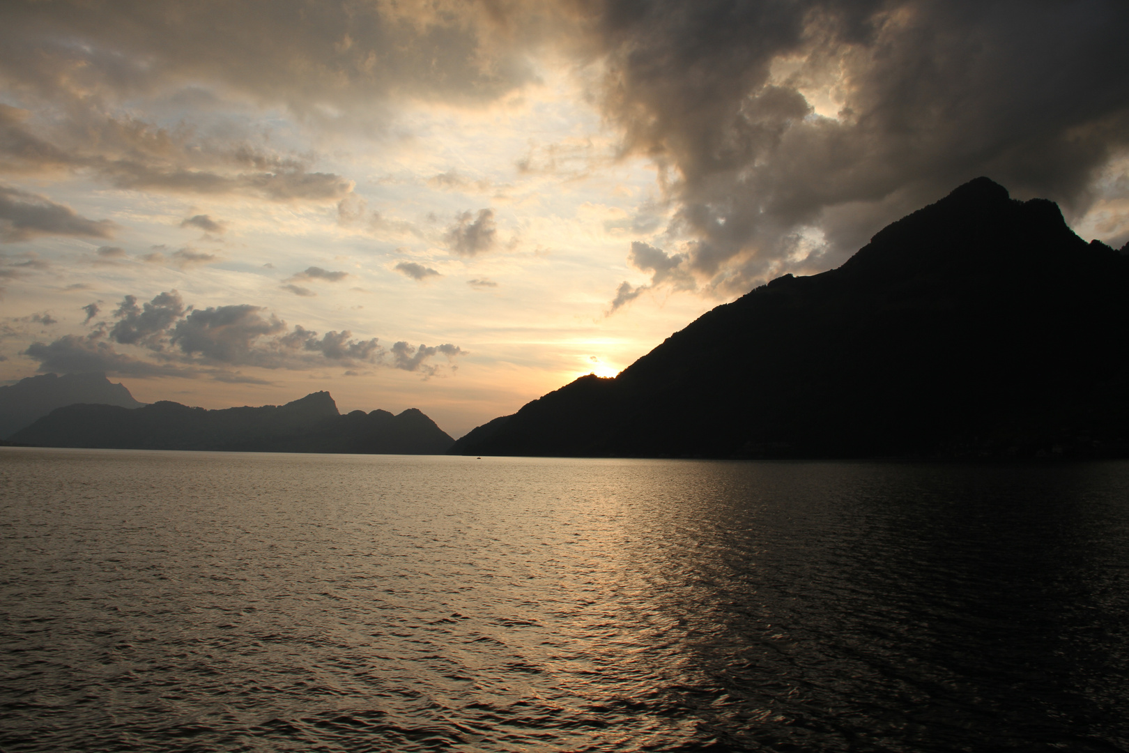 Sonnenuntergang Vierwaldstättersee 02