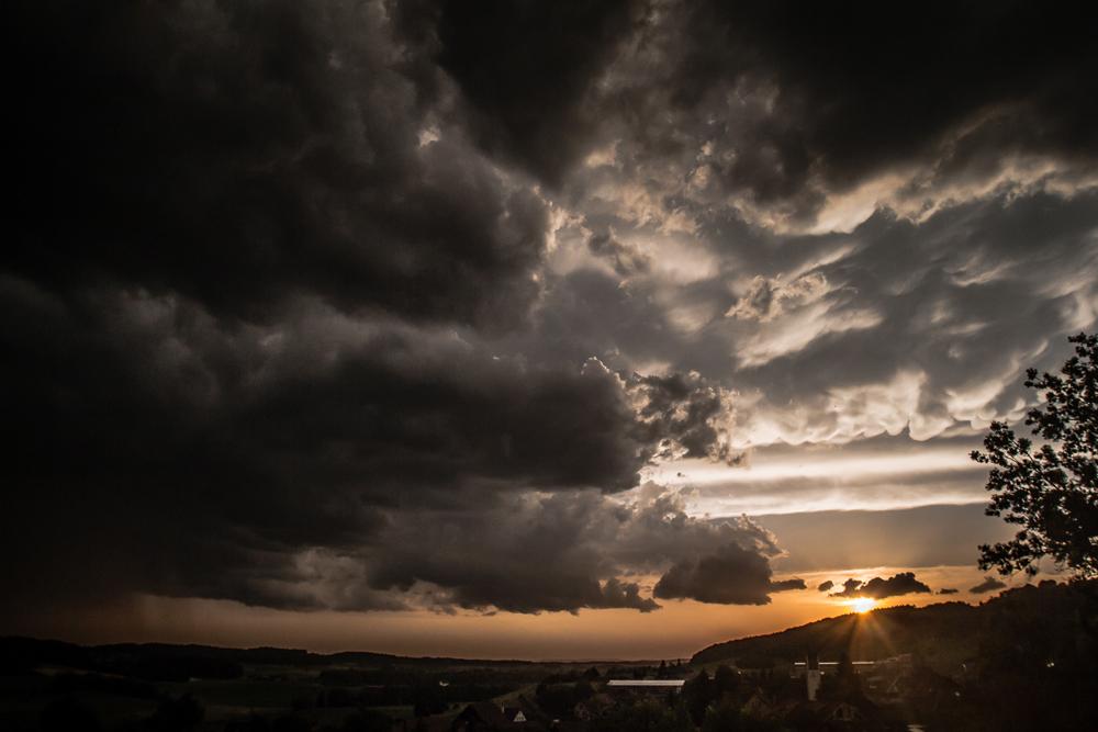 Sonnenuntergangsgewitter II