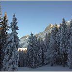 """Sonne,Schnee u.Berge."""