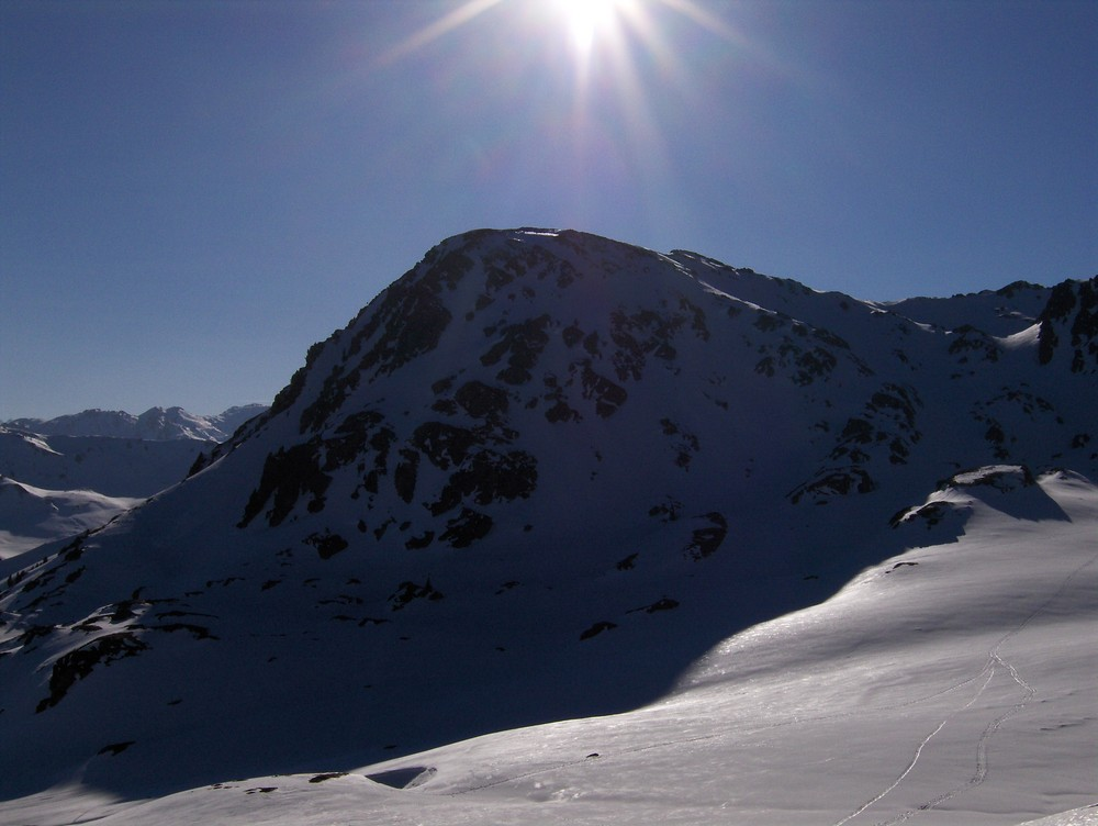 Sonnige Berglandschaft
