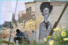 Sonntag -nachmittag in einem Randbezirk ... von Kapstadt-S.A.