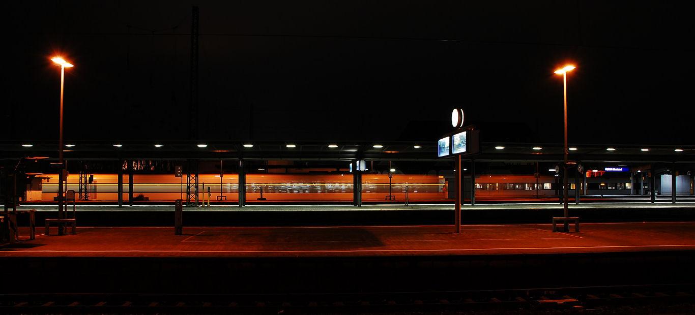 Sonntagabend auf dem Bahnsteig