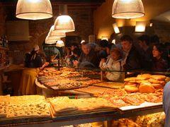 Sonntagmorgen in einer Bäckerei in Bergamo