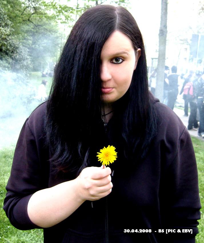 Sonst ist die Blume traurig...