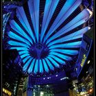 Sony-Center am Abend
