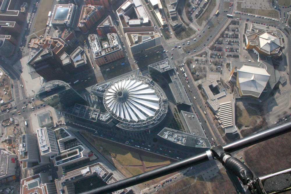 Sony Center aus der Luft