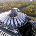 Sony-Center von oben.