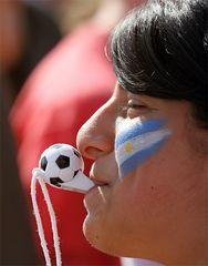 ... sorry, liebe Argentinierin, du hast wirklich hinter deiner Mannschaft gestanden