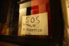 SOS Bottiglie di Plastica