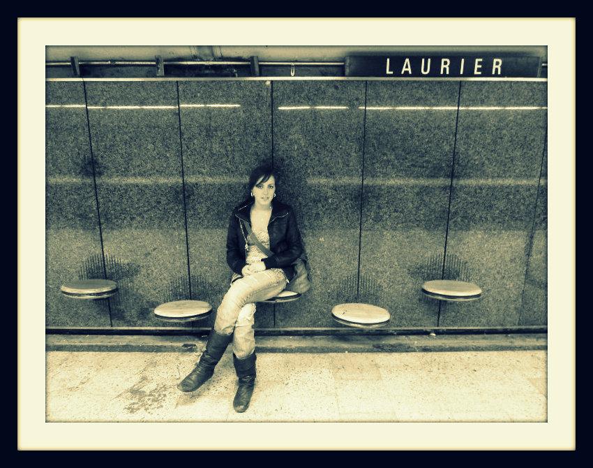 Sous le Laurier