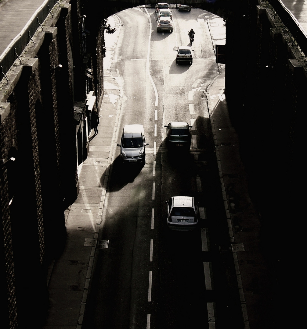 Sous le pont-Le Mans.