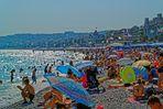 sous les touristes......la plage