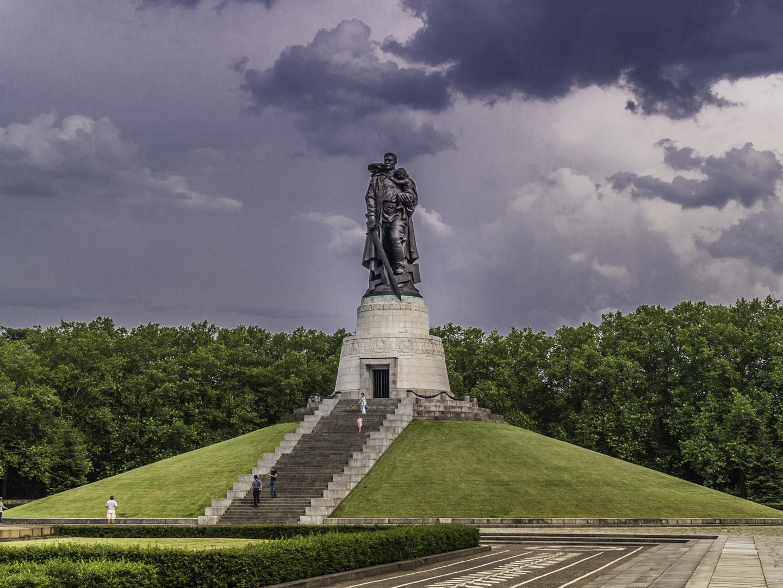 Sowjetisches Ehrenmahl am Treptower Park Berlin