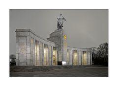 Sowjetisches Ehrenmal in Berlin Tiergarten