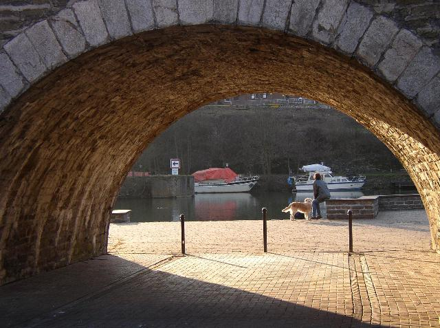 Spätnachmittag hinter der Brücke