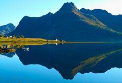 Spätsommermorgen auf den Lofot Inseln