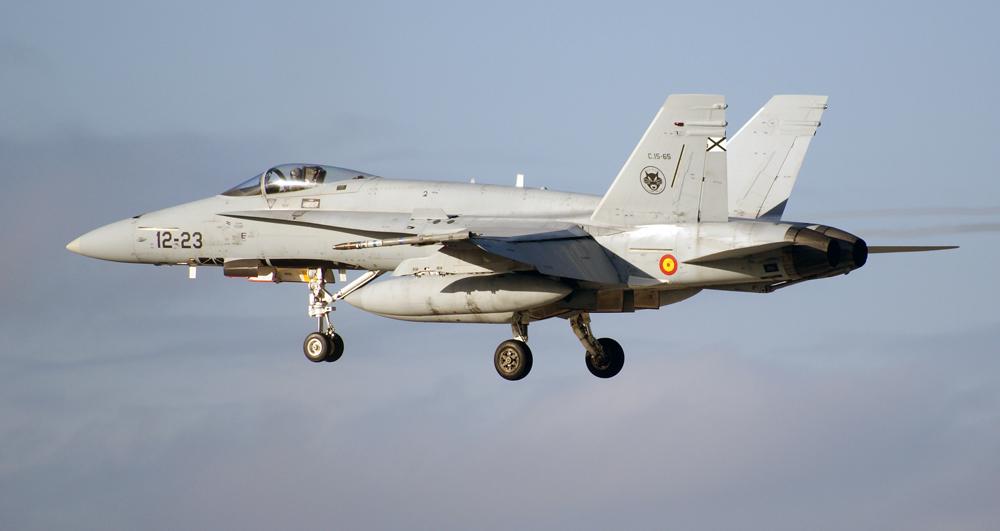 Spanische F-18